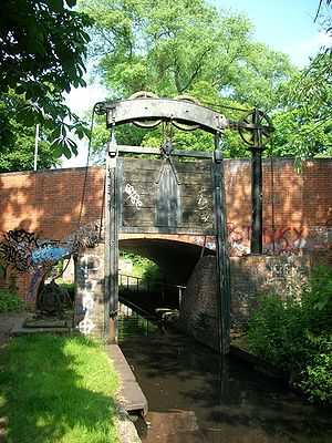 Lifford lane guillotine lock, Kings Norton, Bi...