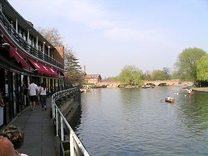 The bridge over the River Avon at Stratford-on...