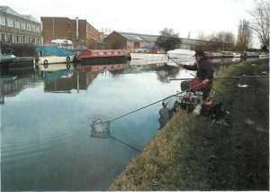 20 fishing teh Grand Union at Northolt